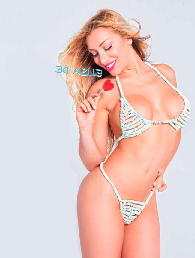 Elisa de Panicis bikini