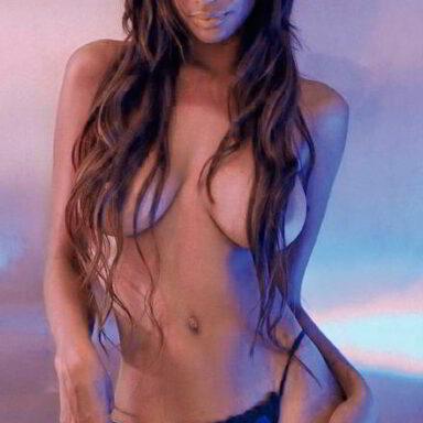 Liz Emiliano fotos topless de Primera Línea