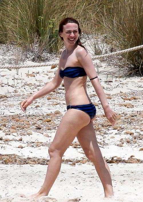 Marta Hazas bikini