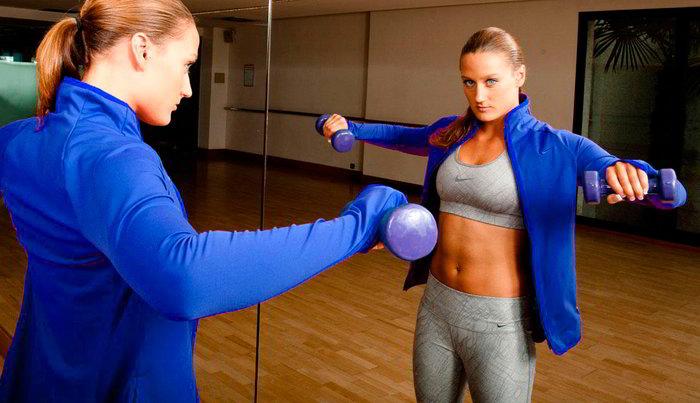 Mireia Belmonte entrenando