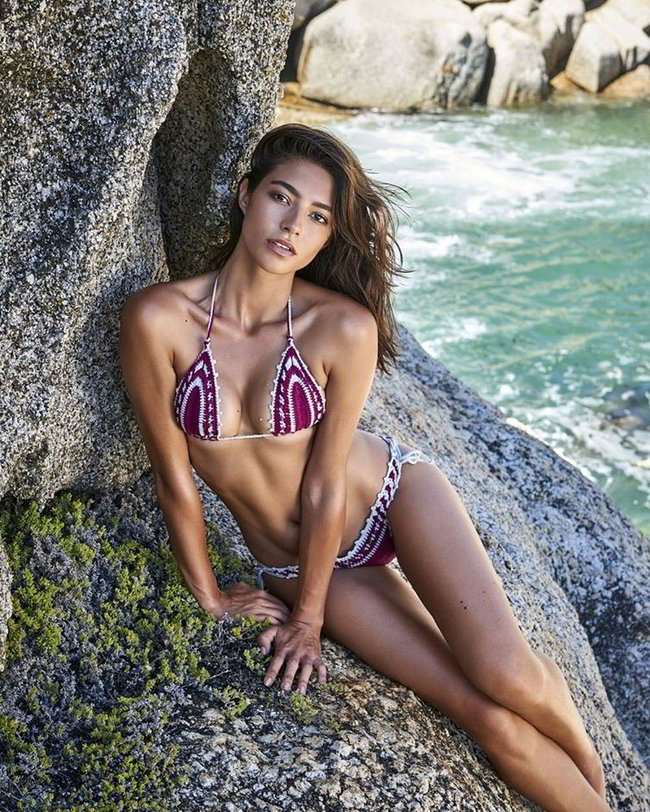 Rocio Crusset sexy bikini playa