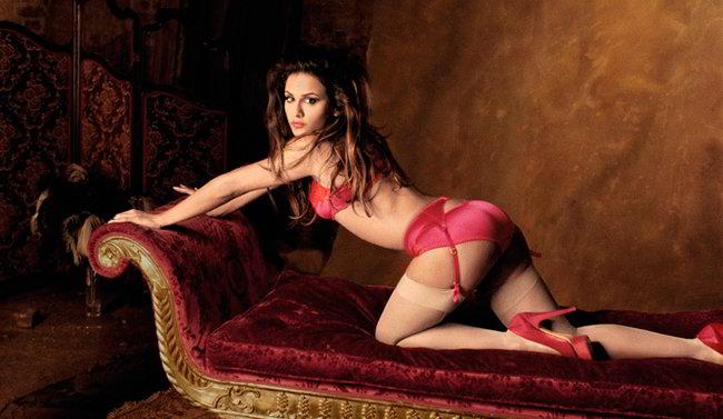 Mónica Cruz desnuda