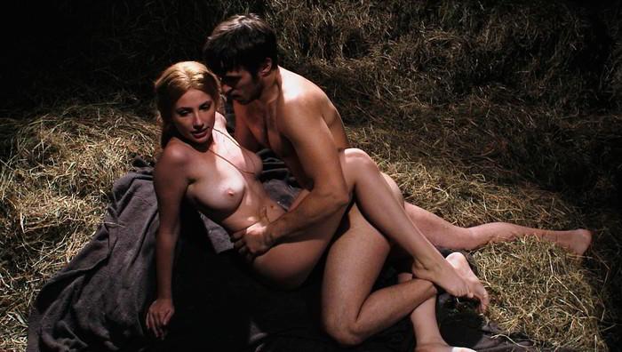 Miriam Giovanelli follando película