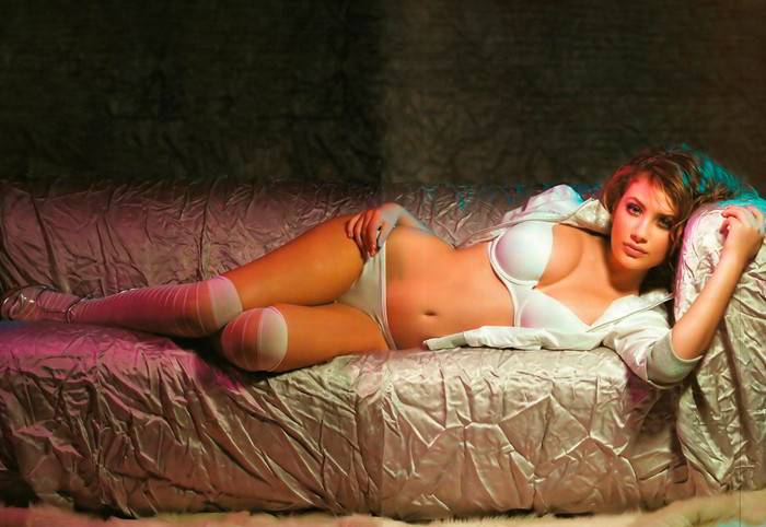 Miriam Giovanelli hot