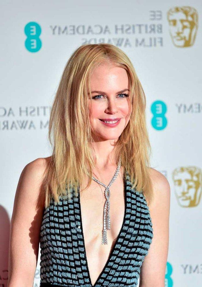 Nicole Kidman Escote Sexy