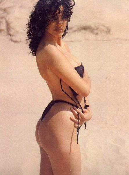 Beatriz Rico posando sexy