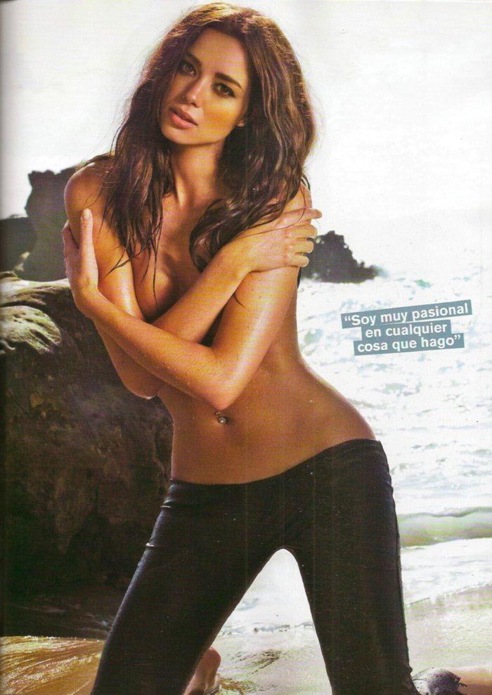 Dafne Fernández desnuda revista MAN 3