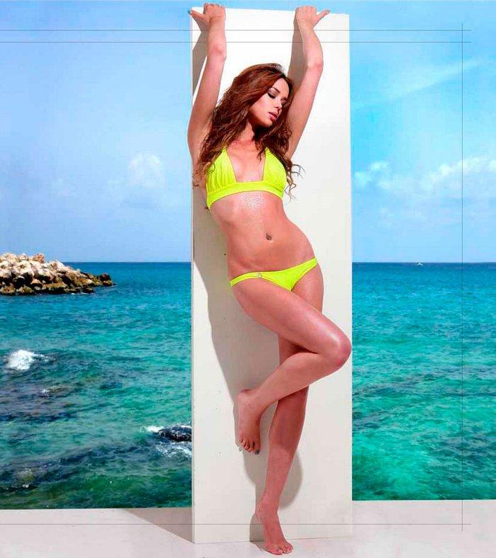 Dafne Fernández posado erótico bikini 2