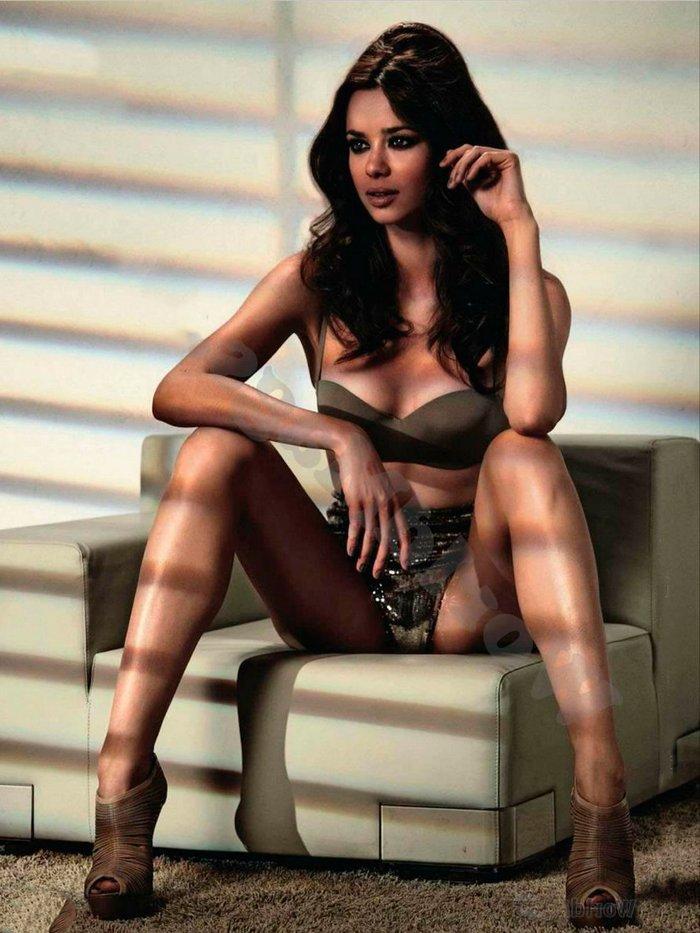 Dafne Fernández posado revista Maxim