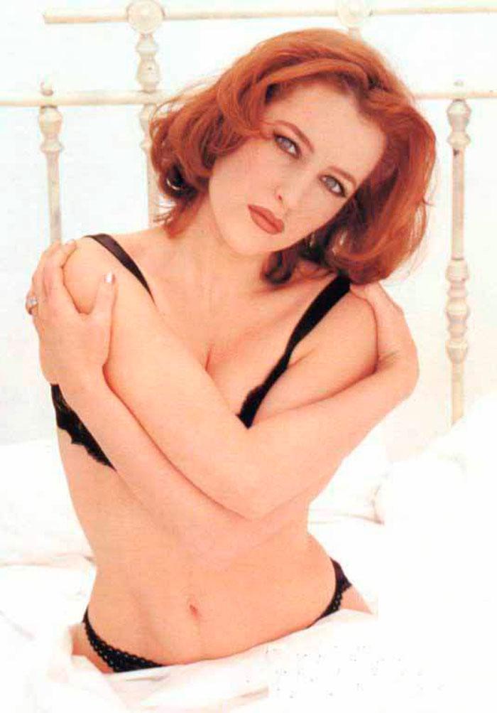 Gillian Anderson Posado Erótico Lencería Fina 2