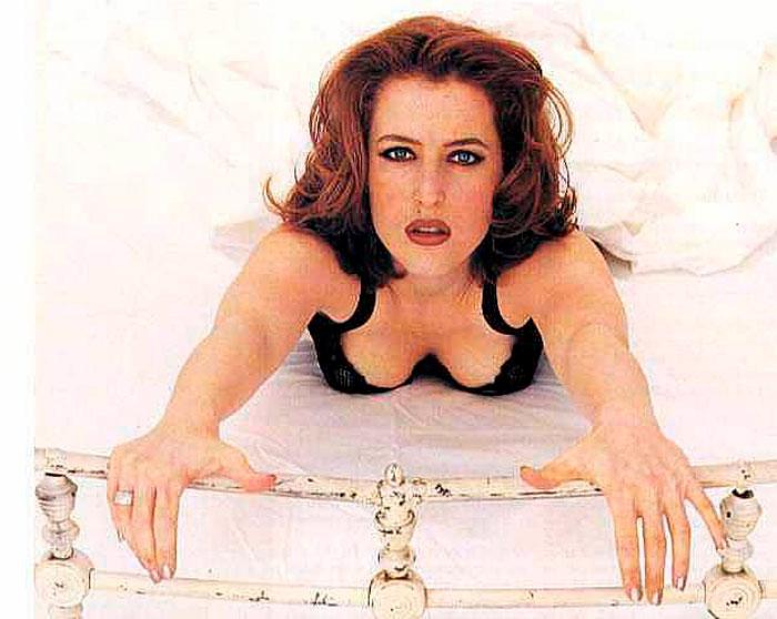 Gillian Anderson Posado Erótico Lencería Fina 3
