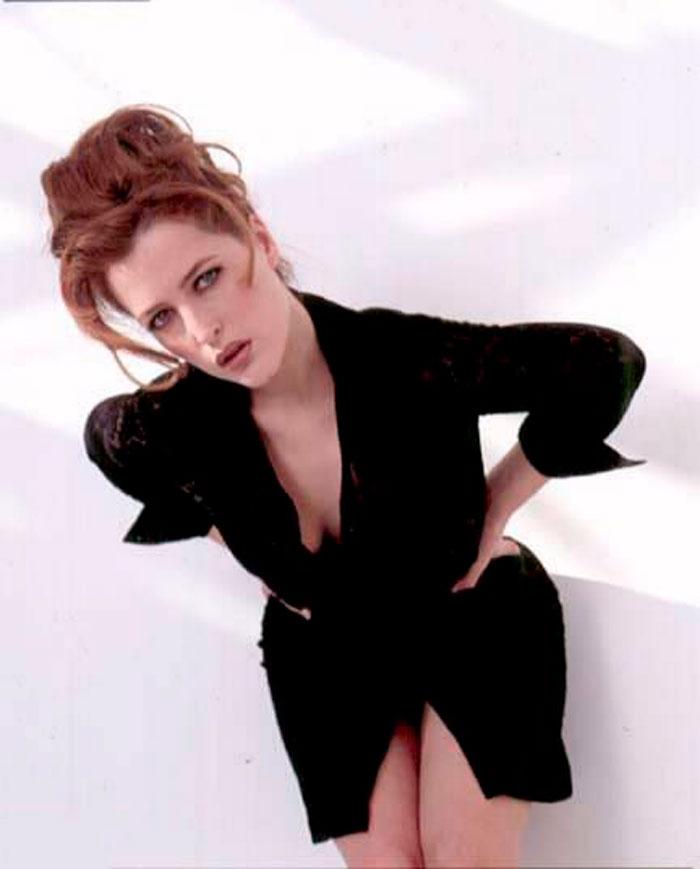 Gillian Anderson Posado Erótico Lencería Fina 6