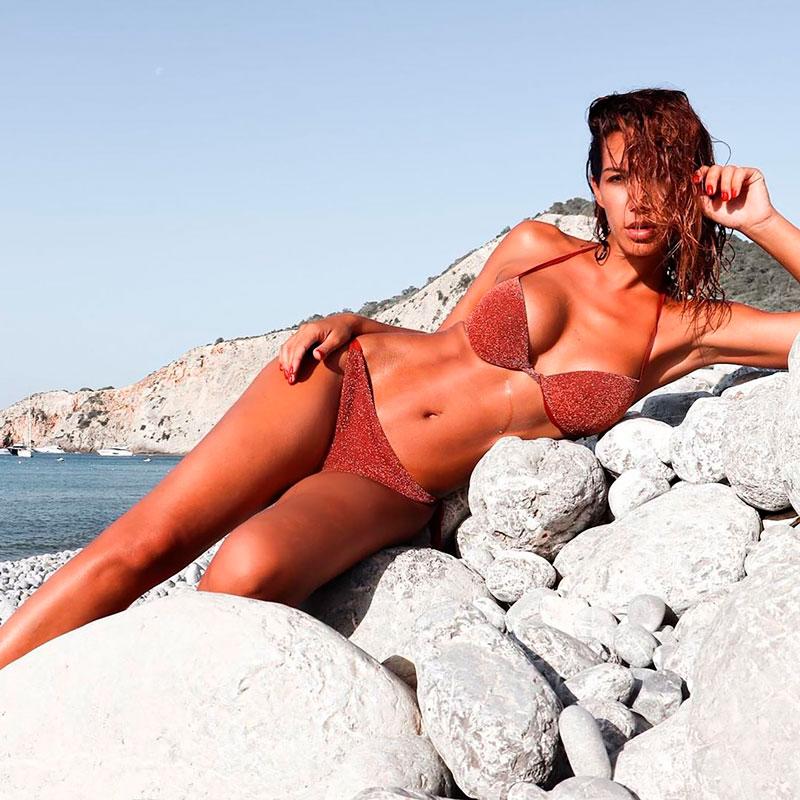 Tamara Gorro Bikini Erótico Fotos Revista
