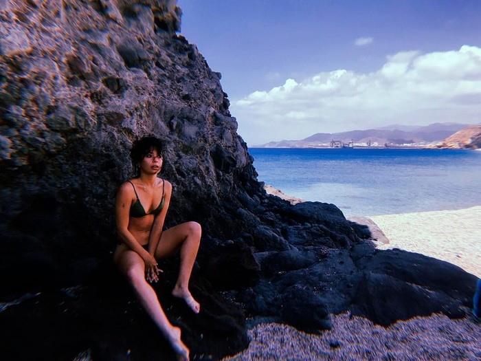 Anna Castillo bikini sexy