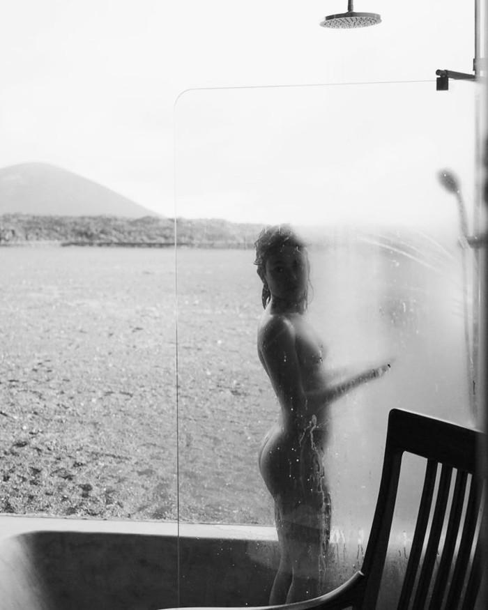 Anna Castillo desnuda cuerpo entero