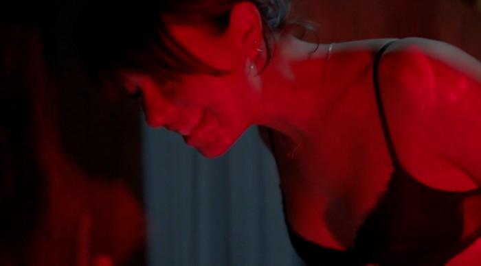 Anna Castillo escena sexual Estoy Vivo