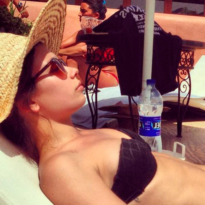 Anna Castillo sujetador vacaciones