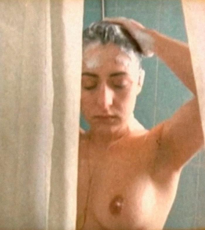 Candela Peña desnuda ducha