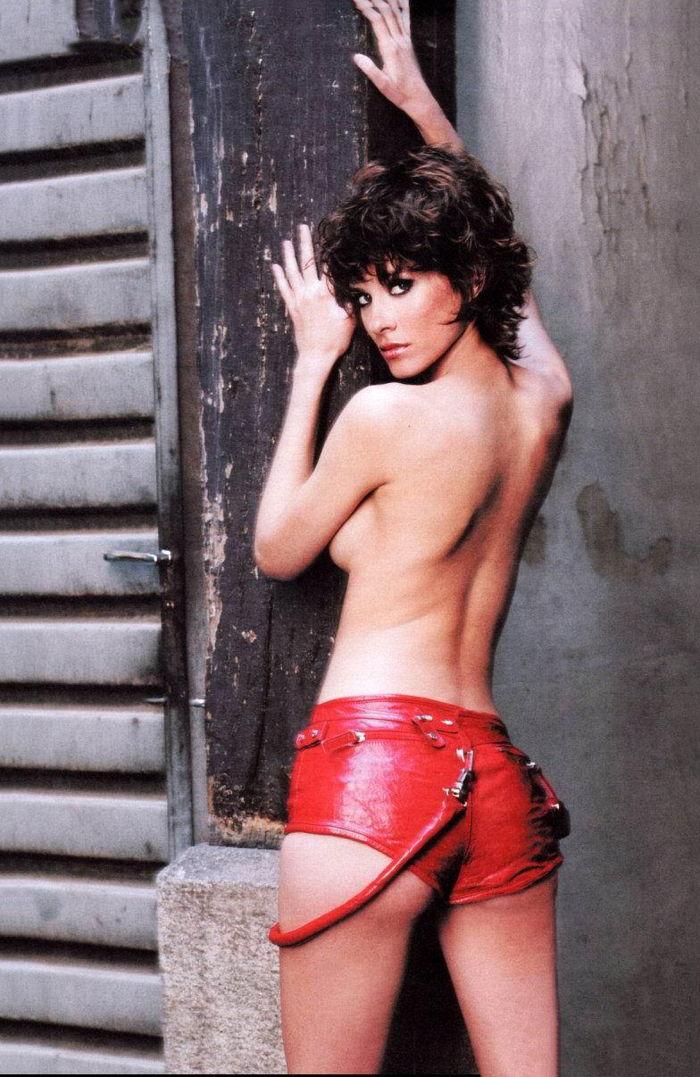 Elena Ballesteros desnuda
