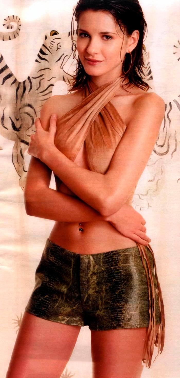 Elena Ballesteros modelito sexy minifalda