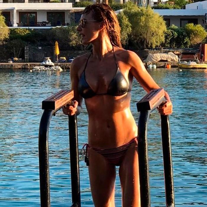 Emma García cuerpo semidesnudo