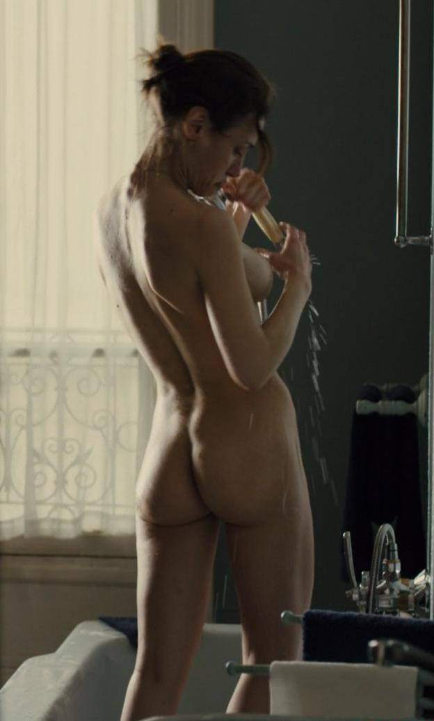 Natalia Verbeke desnuda