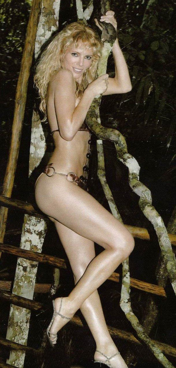Paula Vázquez desnuda
