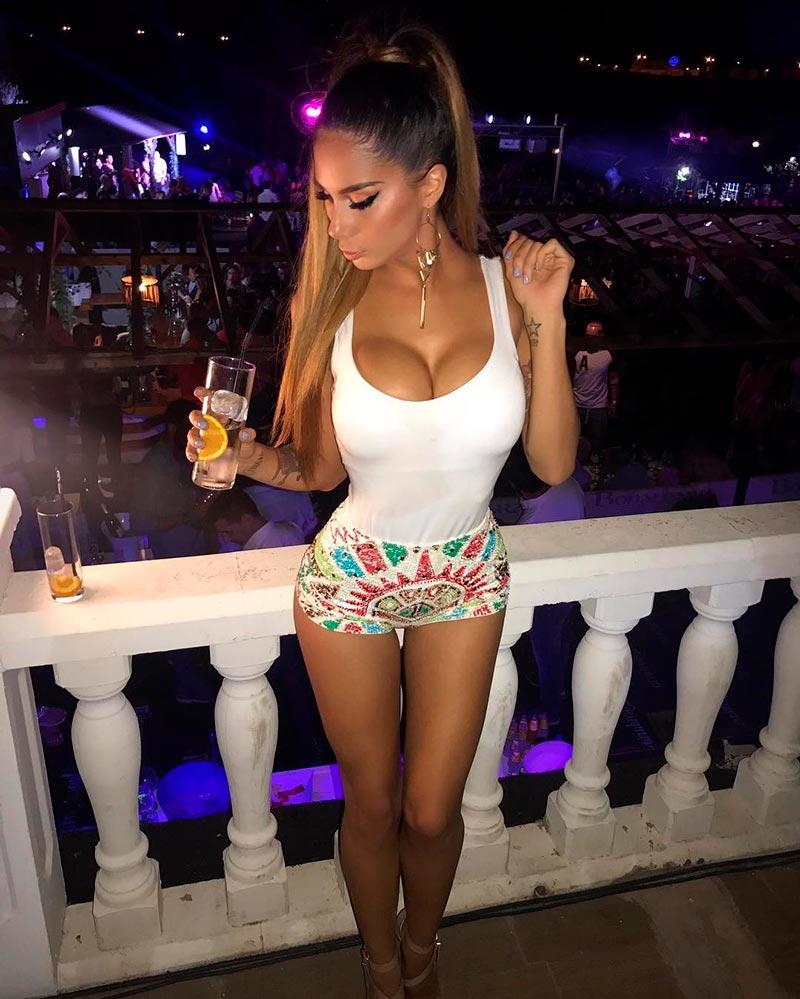 Lara Ruíz Sensual Sexy Posado Instagram 4