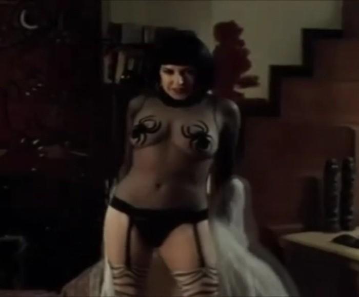 Loles León desnuda