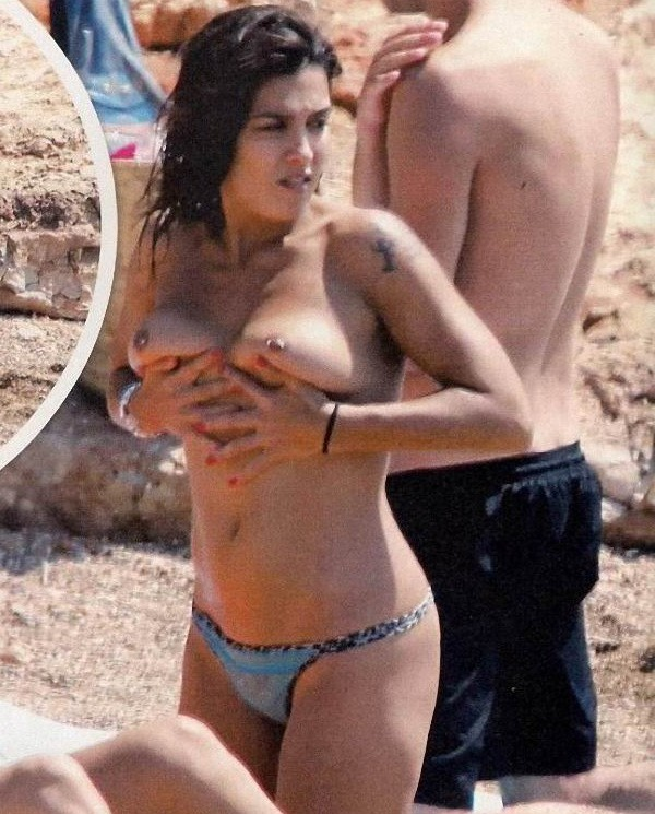 Lorena Castell pillada topless