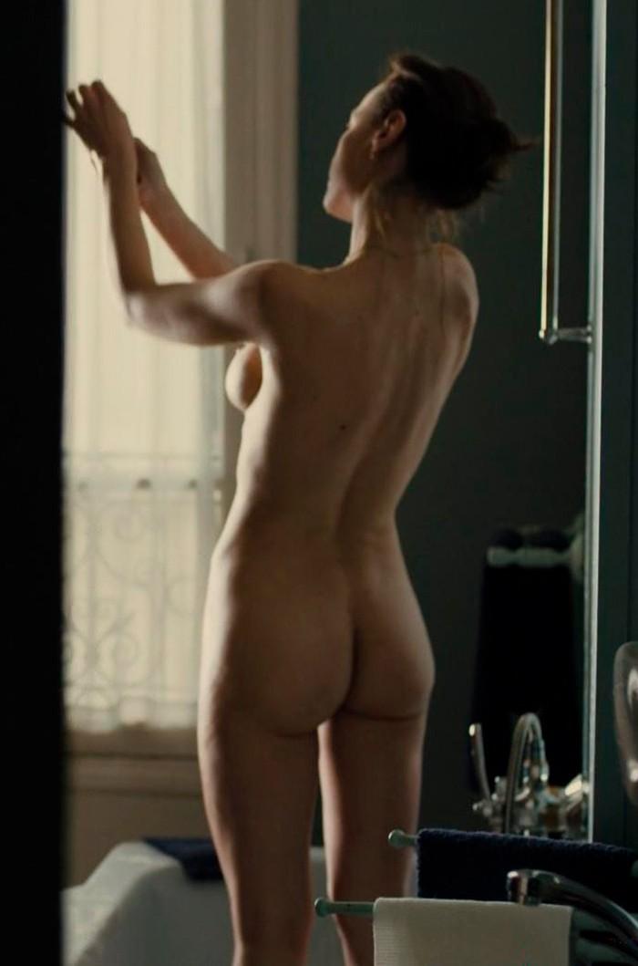 Natalia Verbeke desnuda en película
