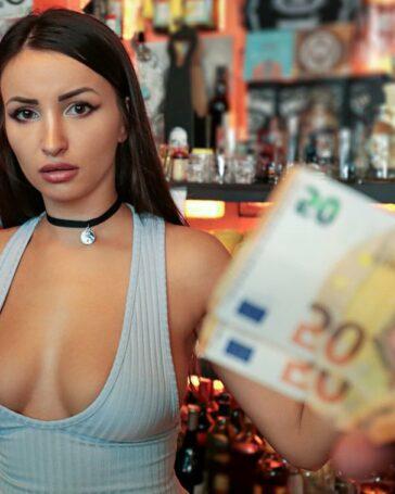 Alyssia Kent Mofos Timidez Porno