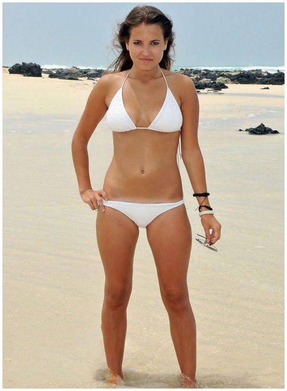 Ana Fernández bikini