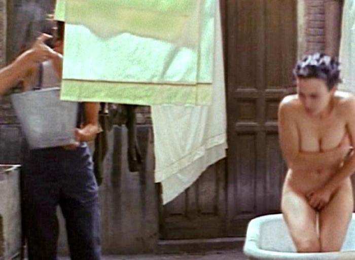Ariadna Gil nude