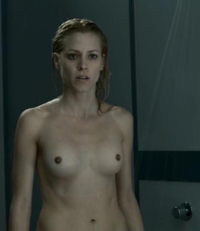 Maggie Civantos desnuda