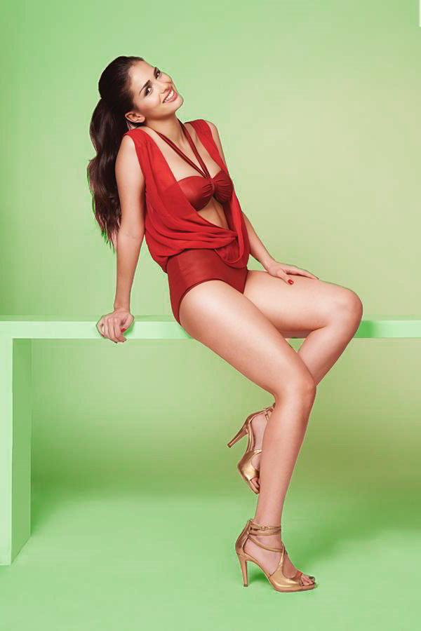 Sara Sálamo sexy
