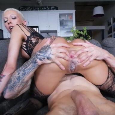 Bella Bellz vuelve anal culo