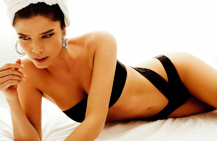 Juana Acosta bikini espectacular