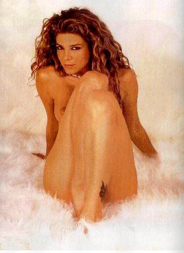 Juana Acosta desnuda actriz colombiana
