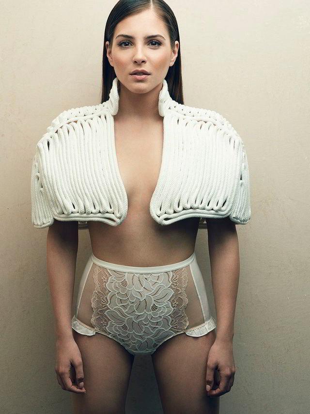 Andrea Duro desnuda