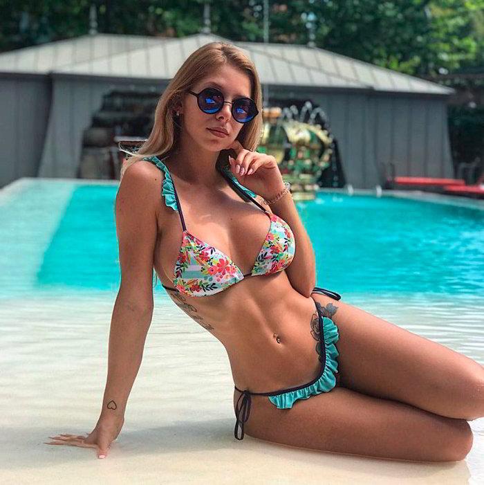 Romina Malaspina piscina