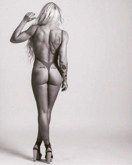 Isabel Castell desnuda Interviu