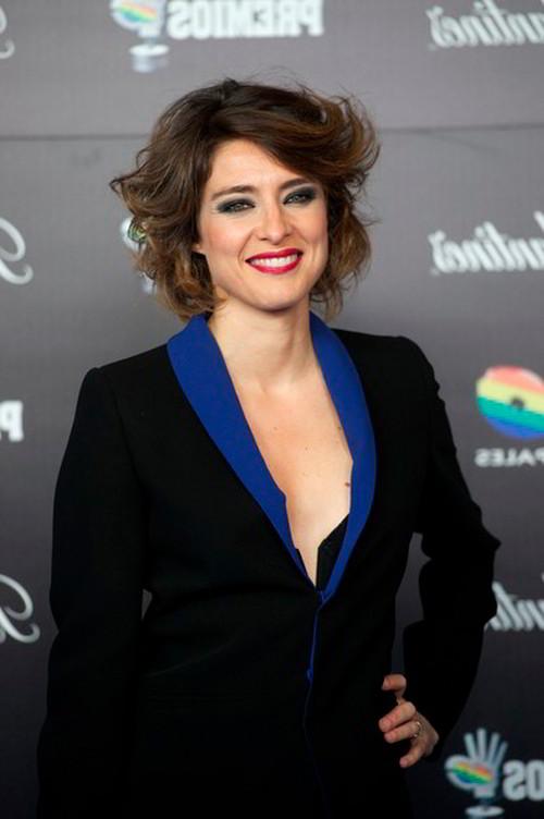 Sandra Barneda escote