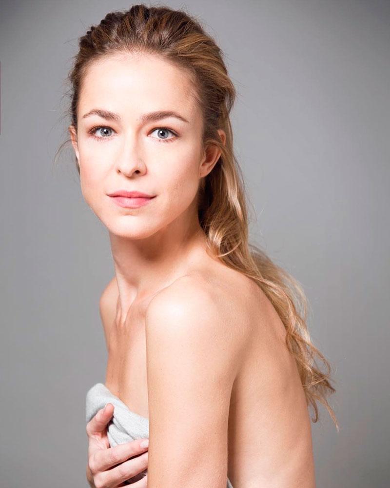 Silvia Abascal Fotos Desnuda Topless