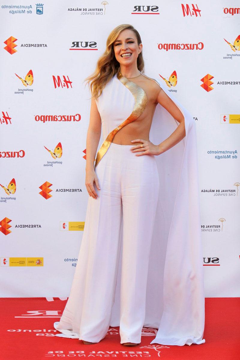 Silvia Abascal Sexy Vestido Teta Fuera