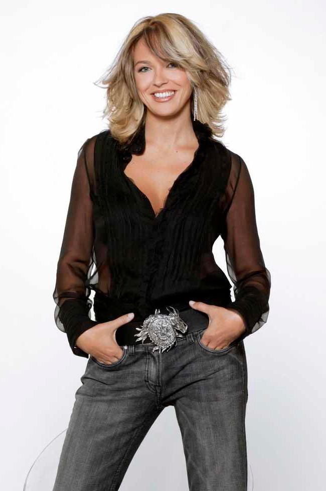 Carolina Ferré presentadora Canal 9
