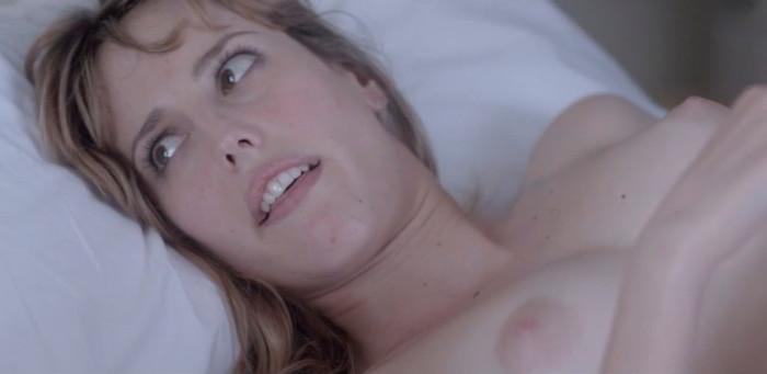 Los pezones de Natalia de Molina en Kiki, el amor se hace