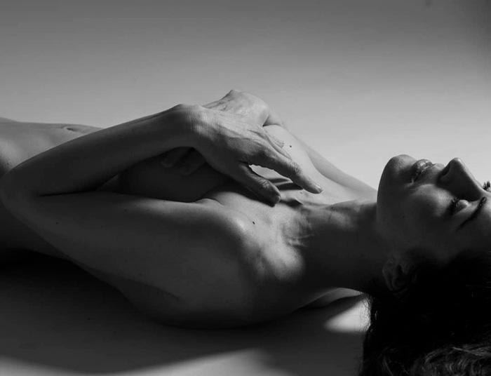 Susana Cordoba Desnuda Posado Erótico