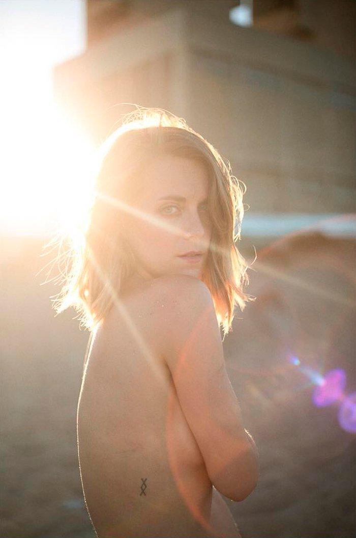 Alba Ribas Topless playa Instagram
