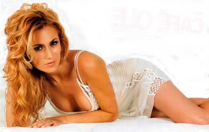 Carolina Cerezuela foto erótica